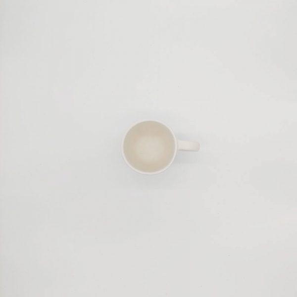 großer-Kaffee-Becher
